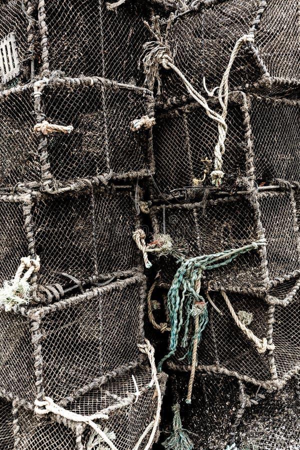 Δοχεία αστακών που συσσωρεύονται στη λιμενική αποβάθρα -4 στοκ φωτογραφία με δικαίωμα ελεύθερης χρήσης