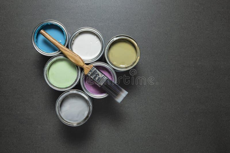 Δοχεία χρωματισμένου του κρητιδογραφία χρώματος στοκ εικόνα με δικαίωμα ελεύθερης χρήσης