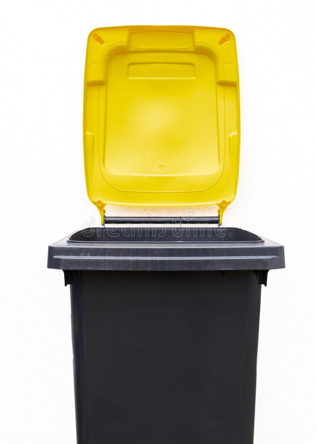 Δοχείο απορριμάτων για το πλαστικό στοκ εικόνες