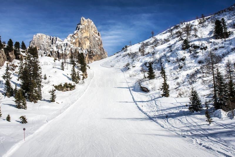 Δολομίτες χιονιού κλίσεων σκι στοκ εικόνες με δικαίωμα ελεύθερης χρήσης