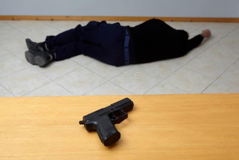 Δολοφονία ή αυτοκτονία στοκ φωτογραφίες