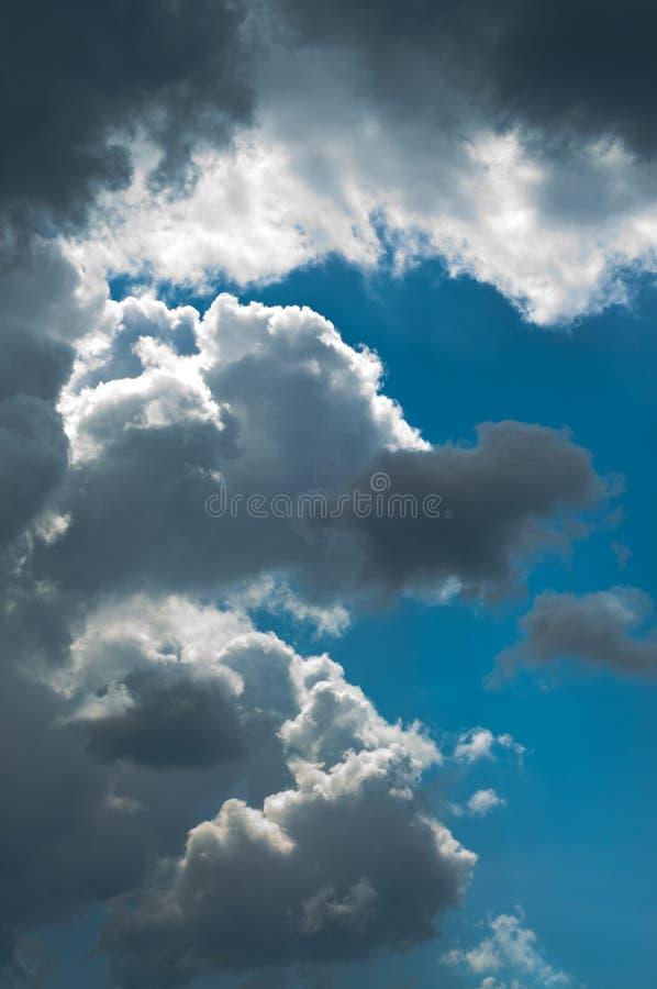 Δραματικός ουρανός αμέσως μετά από τη θύελλα στοκ εικόνα με δικαίωμα ελεύθερης χρήσης