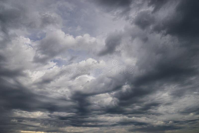 Δραματικός ουρανός σύννεφων θύελλας στοκ φωτογραφία με δικαίωμα ελεύθερης χρήσης