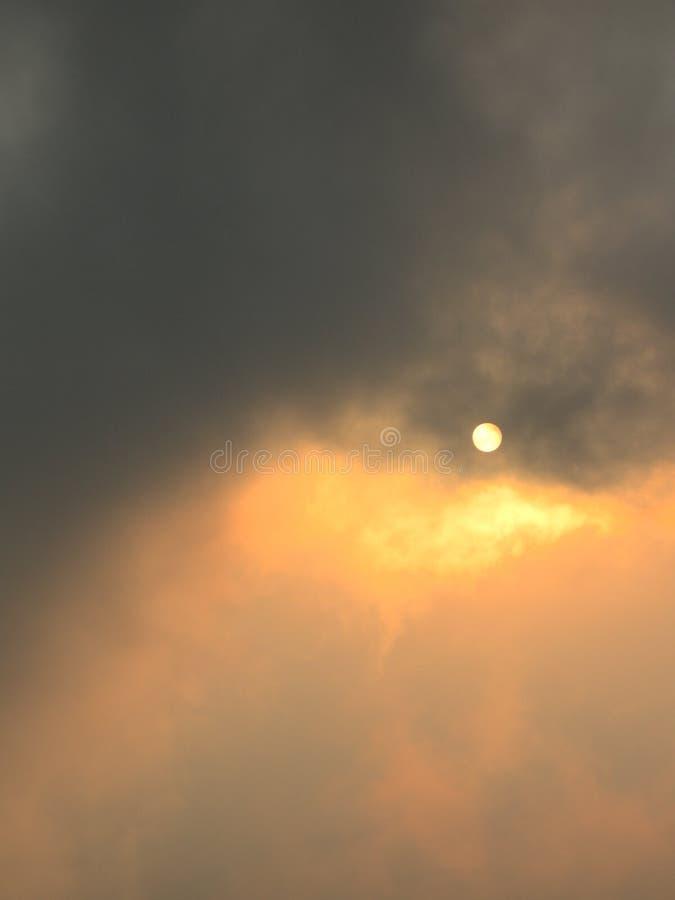 δραματικό ηλιοβασίλεμα θύελλας στοκ φωτογραφία με δικαίωμα ελεύθερης χρήσης
