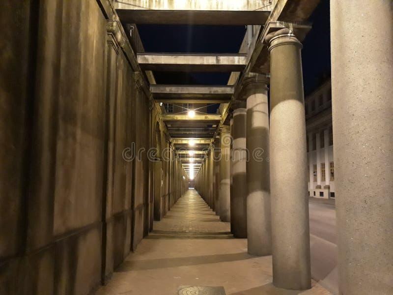 Δρομέας νύχτας στην πόλη στοκ εικόνες