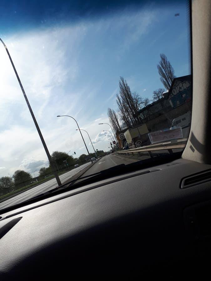 Δρόμος από ένα αυτοκίνητο στοκ φωτογραφίες