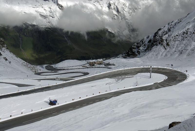 δρόμος βουνών Ιουλίου στοκ φωτογραφία