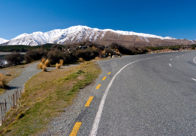 δρόμος βουνών χωρών φυσικό&si στοκ φωτογραφίες με δικαίωμα ελεύθερης χρήσης