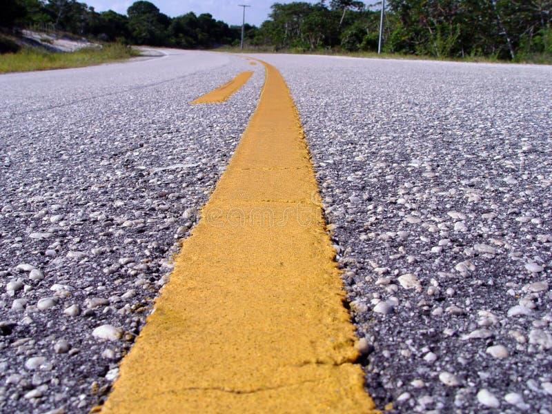 δρόμος γραμμών κίτρινος στοκ εικόνα με δικαίωμα ελεύθερης χρήσης