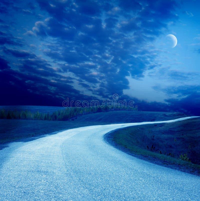 δρόμος νύχτας στοκ εικόνα με δικαίωμα ελεύθερης χρήσης