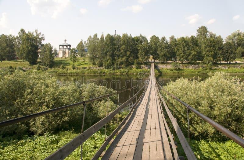Δρόμος πέρα από τον ποταμό στοκ εικόνα με δικαίωμα ελεύθερης χρήσης