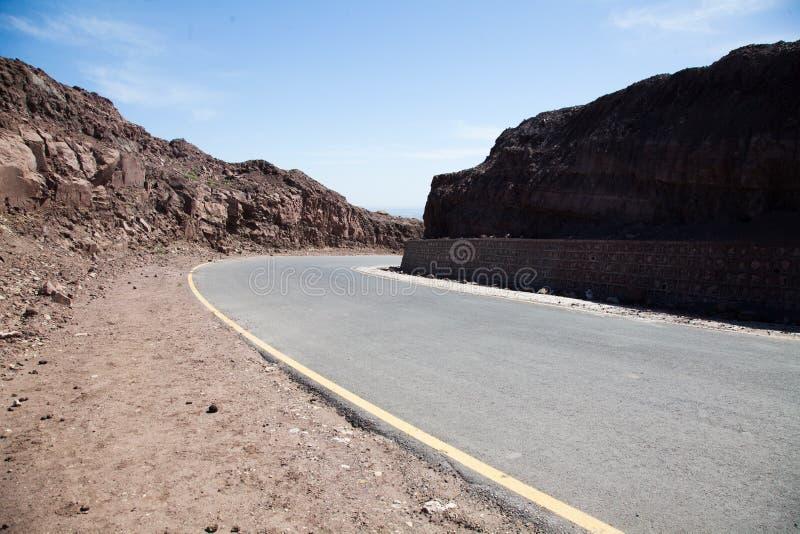 Δρόμος σε μια λοφώδη περιοχή στοκ εικόνες