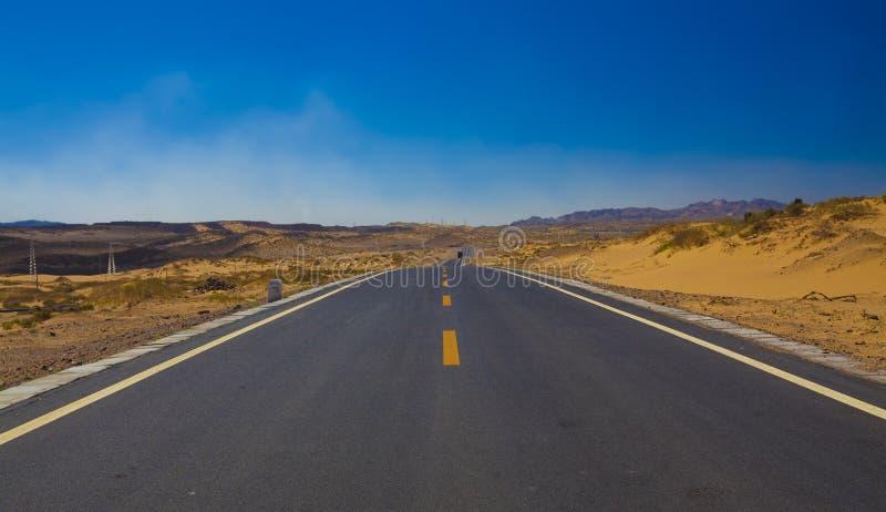 Δρόμος στην έρημο στοκ εικόνα