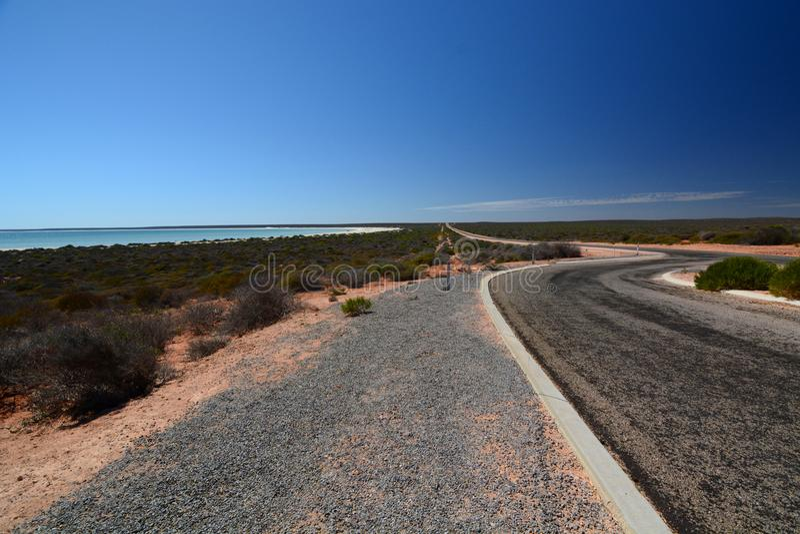 Δρόμος στην παραλία της Shell Denham Κόλπος καρχαριών Δυτική Αυστραλία στοκ φωτογραφία με δικαίωμα ελεύθερης χρήσης