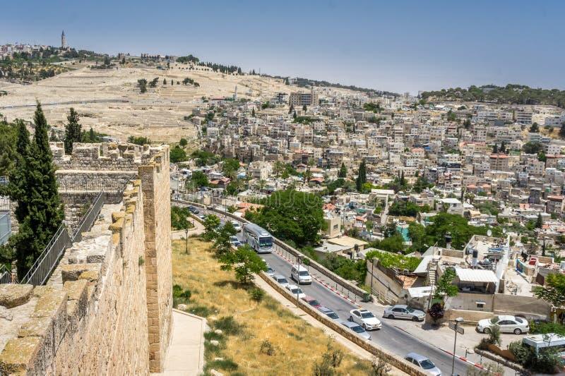 Δρόμος στη Βηθλεέμ και το χωριό Silwan στην ανατολική Ιερουσαλήμ στοκ εικόνες