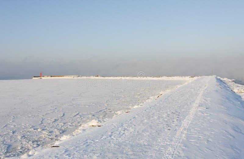 δρόμος τυφλοπόντικων χιονώδης στοκ εικόνες
