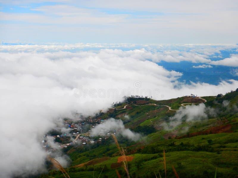 Δρόμος φιδιών στο βουνό στοκ φωτογραφία με δικαίωμα ελεύθερης χρήσης
