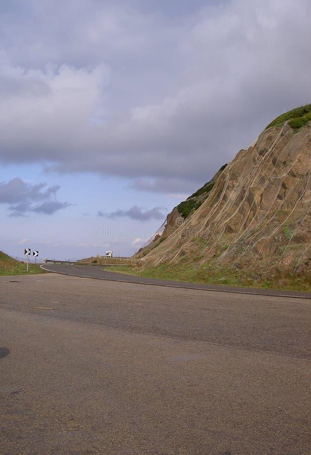 Download δρόμος στοκ εικόνα. εικόνα από δέμα, σύννεφα, ουρανός, μεταφορά - 88233