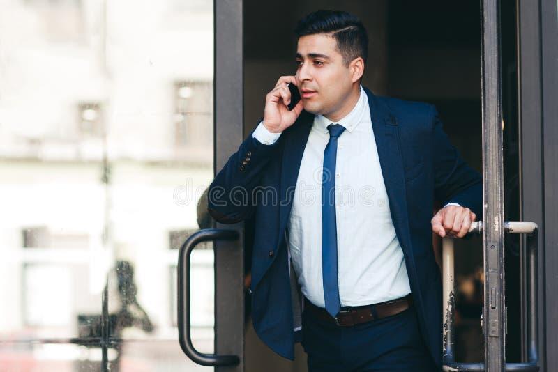 Δυναμικός επιχειρηματίας και ενεργός τρόπος ζωής στοκ εικόνες