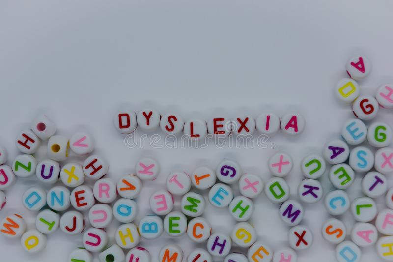 Δυσλεξία, δημιουργική έννοια, δυσκολία ανάγνωσης στοκ εικόνες