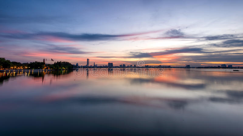 Δυτική λίμνη Ανόι ηλιοβασιλέματος στοκ φωτογραφία με δικαίωμα ελεύθερης χρήσης