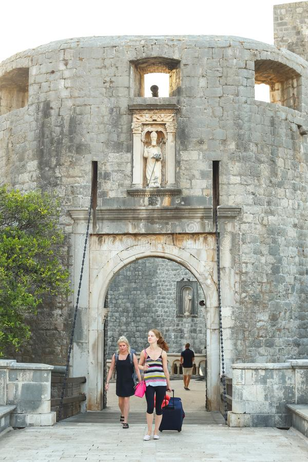 Δυτική είσοδος στην παλαιά πόλη Dubrovnik στοκ φωτογραφία με δικαίωμα ελεύθερης χρήσης