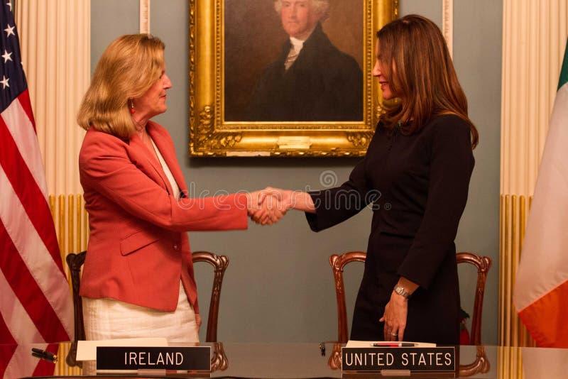 Δωδεκάμηνη ιρλανδική εργασία και ταξίδια (IWT) Μνημόνιο συμφωνίας στοκ φωτογραφία