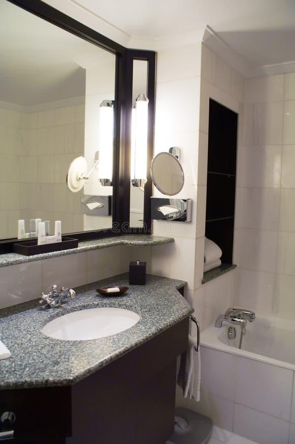 Download δωμάτιο λουτρών στοκ εικόνες. εικόνα από υγιεινή, σπίτι - 13178224