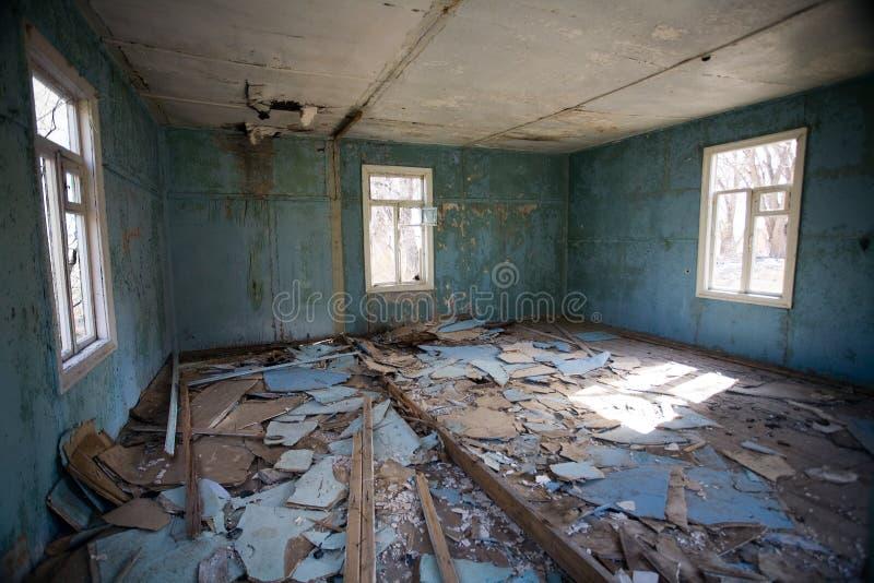 δωμάτιο που καταστρέφετ&alp στοκ εικόνες