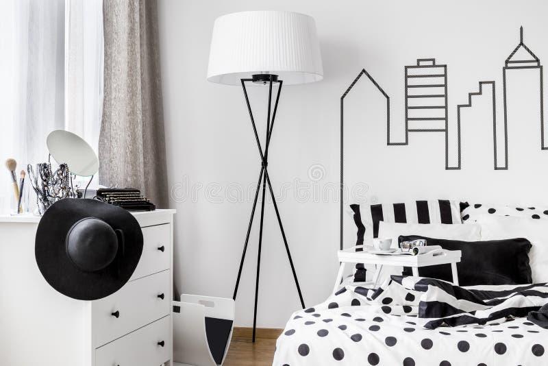 Δωμάτιο που κατοικείται από τη γυναίκα στοκ φωτογραφία με δικαίωμα ελεύθερης χρήσης