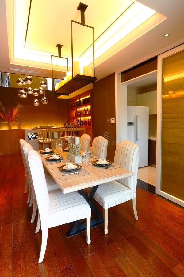 Δωμάτιο Dinning στοκ εικόνα