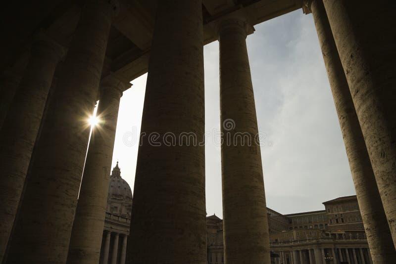 δωρικός ήλιος κρυφοκο&io στοκ εικόνα