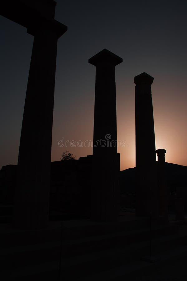 Δωρικός ναός Αθηνάς Lindia κατά τη διάρκεια του ηλιοβασιλέματος στην ακρόπολη Lind στοκ εικόνες με δικαίωμα ελεύθερης χρήσης