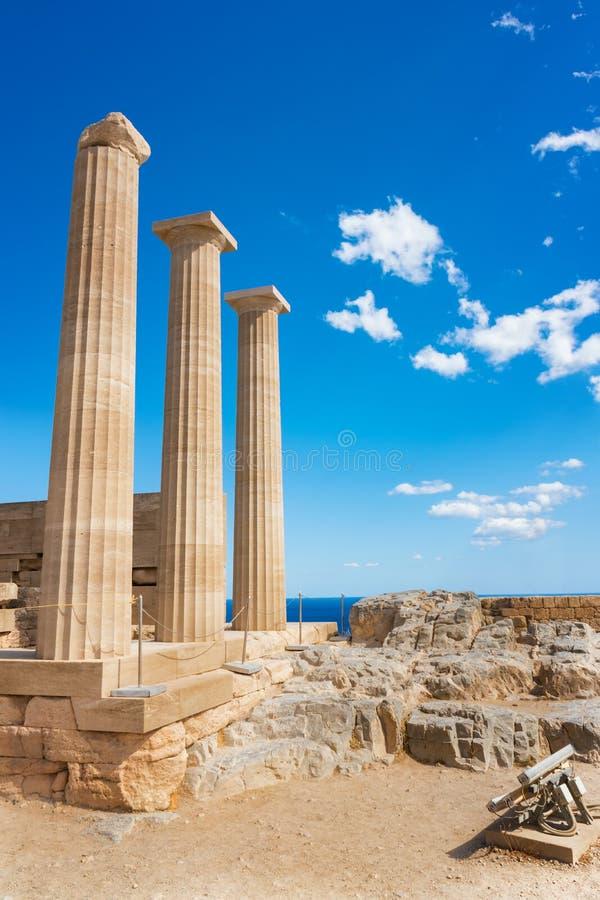 Δωρικός ναός Αθηνάς Lindia στην ακρόπολη Lindos Ρόδος, GR στοκ εικόνες