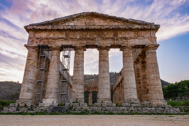 Δωρικός ναός Segesta στη Σικελία, Ιταλία στοκ εικόνα με δικαίωμα ελεύθερης χρήσης
