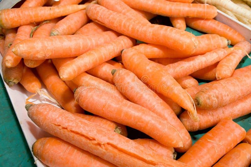 Δωδεκάδες του καρότου που συσσωρεύονται τυχαία επάνω στοκ φωτογραφίες με δικαίωμα ελεύθερης χρήσης