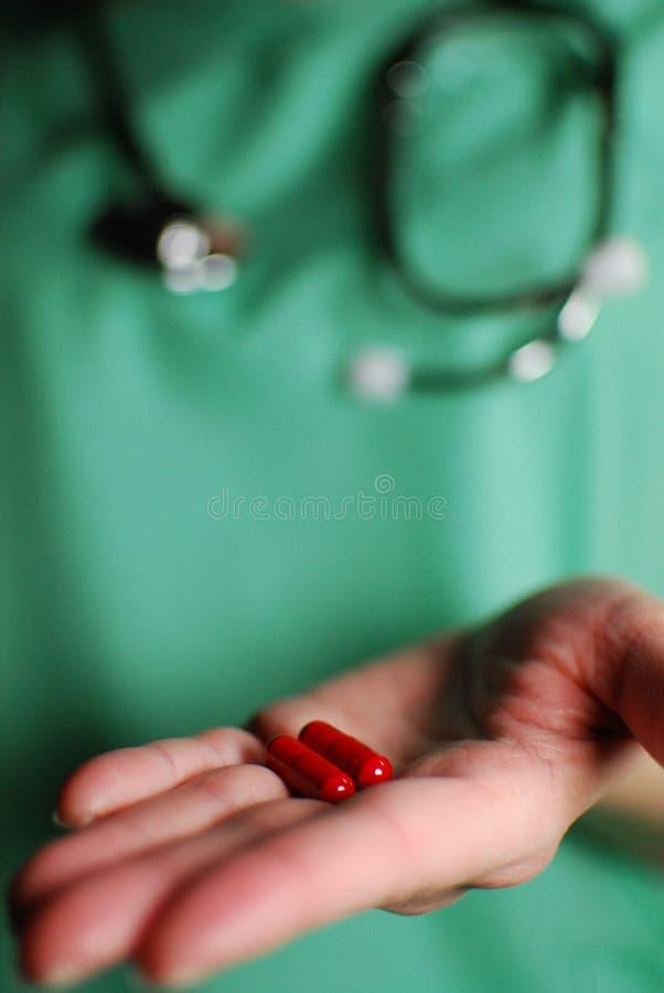 δόσιμο της νοσοκόμας φαρ&m στοκ φωτογραφίες με δικαίωμα ελεύθερης χρήσης