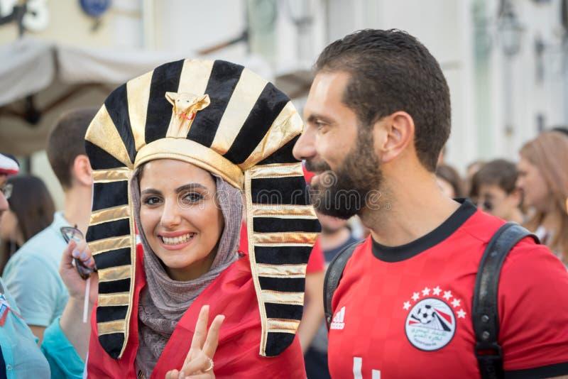 δύο αιγυπτιακοί οπαδοί αθλήματος στη Μόσχα στοκ εικόνα