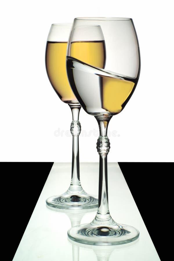 Δύο γυαλιά κρασιού στοκ εικόνες