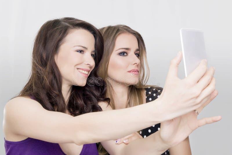 Δύο κορίτσια selfie στοκ εικόνα με δικαίωμα ελεύθερης χρήσης
