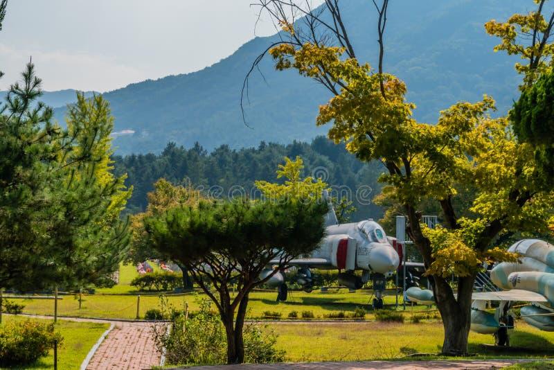 Δύο μαχητικά αεροσκάφη στοκ εικόνα με δικαίωμα ελεύθερης χρήσης
