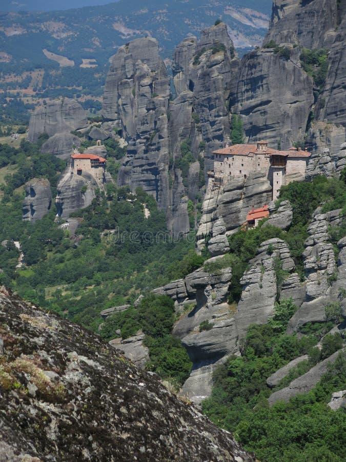 Δύο μοναστήρια σε Meteora, Ελλάδα στοκ εικόνες
