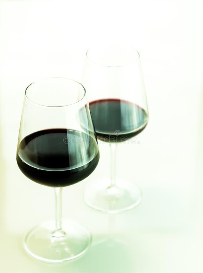 Δύο ποτήρια του κρασιού στοκ εικόνα