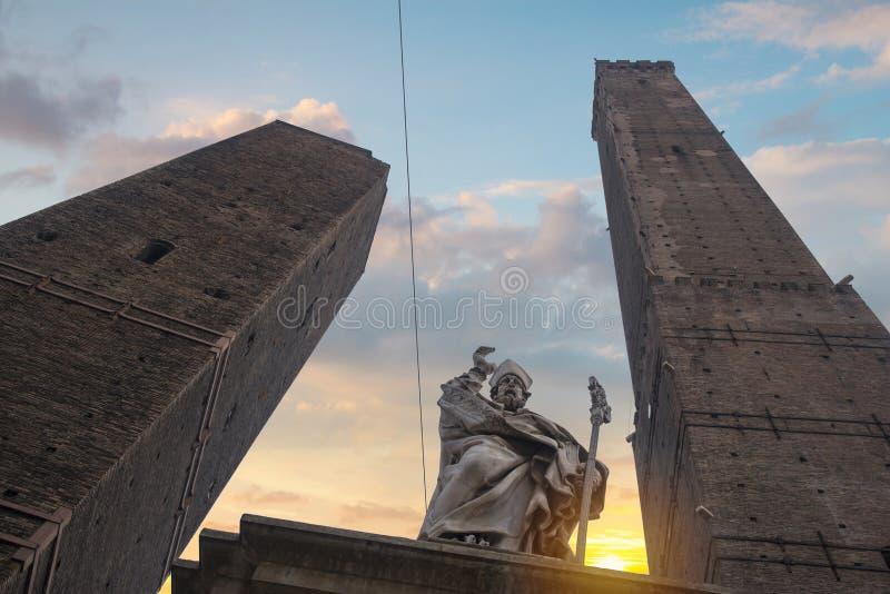 Δύο πύργοι στην πόλη της Μπολόνιας στοκ φωτογραφία