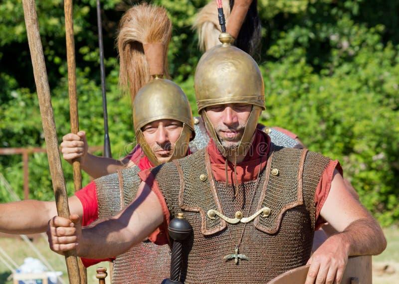 Δύο ρωμαϊκοί στρατιώτες λεγεωναρίων στοκ εικόνες