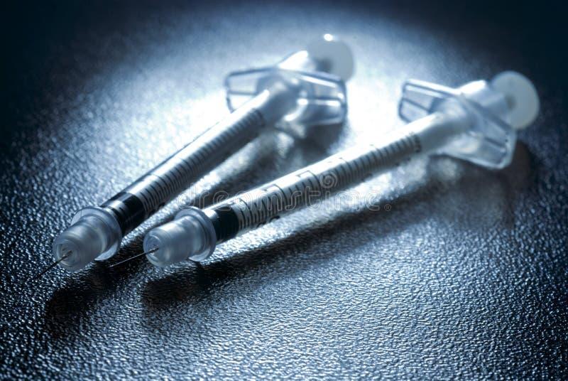 Δύο σύριγγες ινσουλίνης στοκ εικόνα