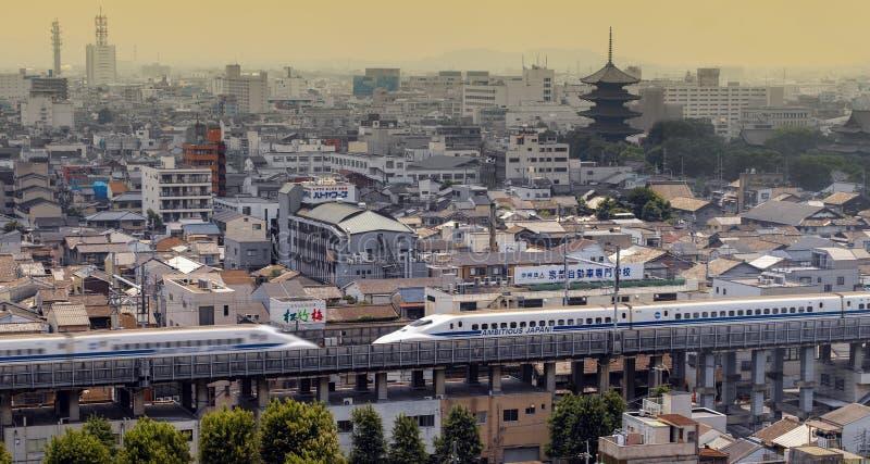 Δύο τρένα Shinkansen με κουκκίδες υψηλής ταχύτητας - Κιότο - Ιαπωνία στοκ εικόνες με δικαίωμα ελεύθερης χρήσης