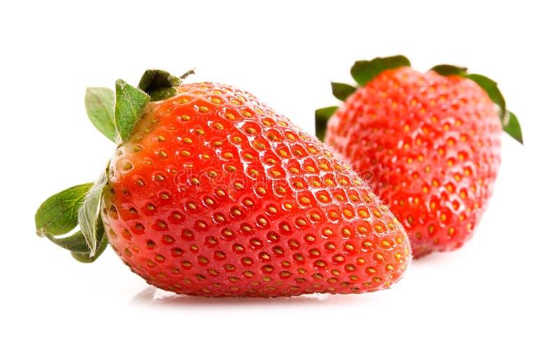 Δύο φράουλες που απομονώνονται στοκ φωτογραφίες