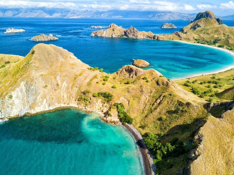 Δύο όμορφοι κόλποι σε Pulau Padar στοκ φωτογραφία με δικαίωμα ελεύθερης χρήσης