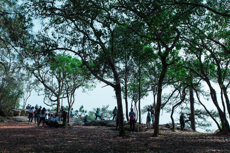 Δύση Kradueng απότομων βράχων Sak Lom μέχρι το τέλος στοκ εικόνα